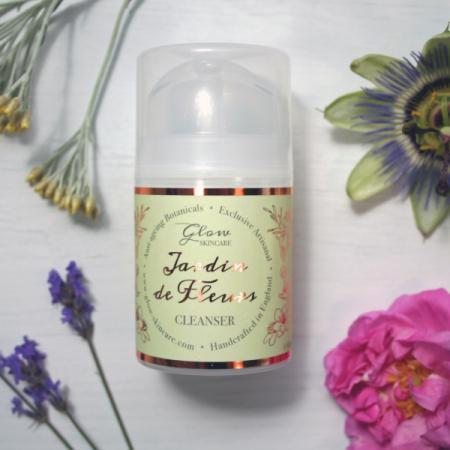Jardin-de-Fleurs-lavender-roses
