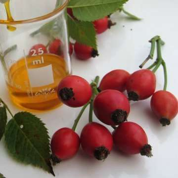 what colour is rosehip oil